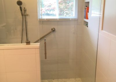 BEFORE & AFTER: EASY ACCESS SHOWER